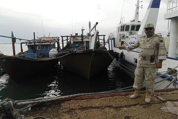 توقیف 4 شناور در آب های بوشهر ، کشف صید خارج از فصل